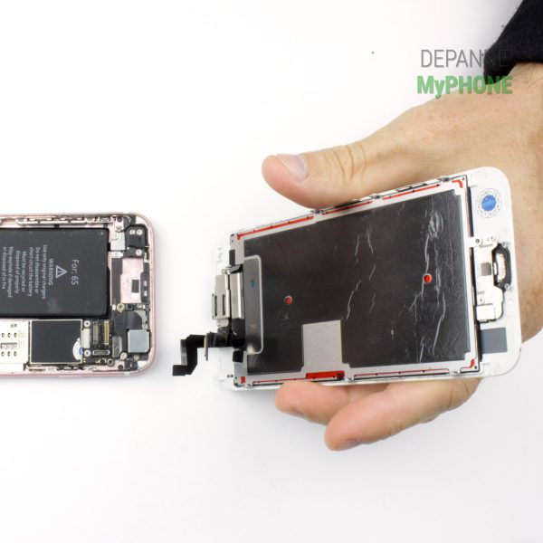 Séparation de l'écran et du chassis