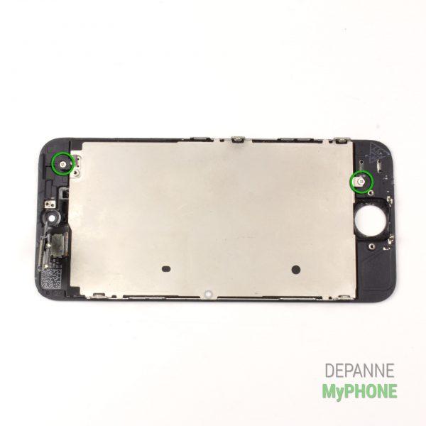 Retrait des vis de maintient du support métallique du LCD - arrière