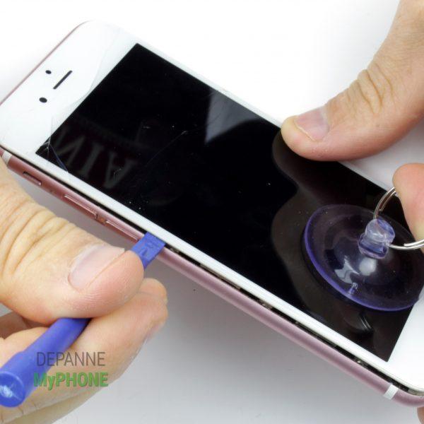 Ouverture de l'écran de l'iPhone 6S phase 2