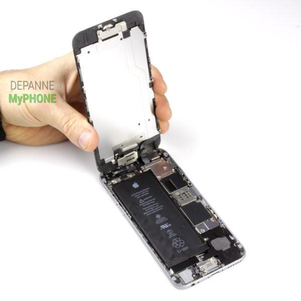 L'écran de l'iPhone 6 est ouvert